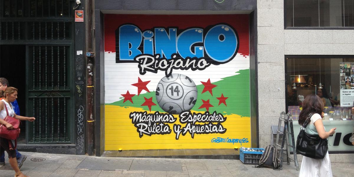Graffiti en el cierre del Bingo Riojano en Madrid