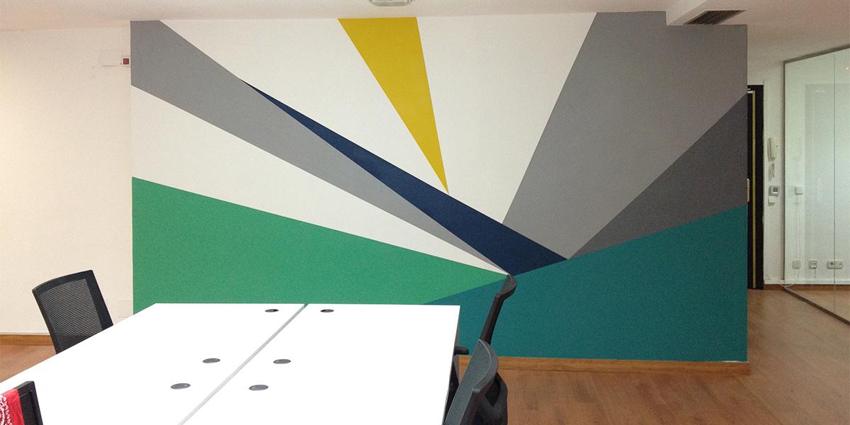 Graffiti mural en oficina de Madrid