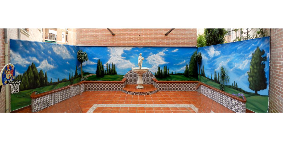 Mural trampantojo de paisaje en patio de Segovia