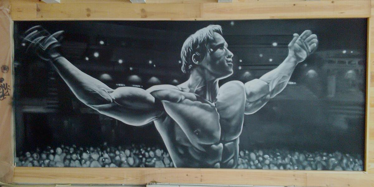 Arnold Schwarzenegger en graffiti de gimnasio en Bilbao