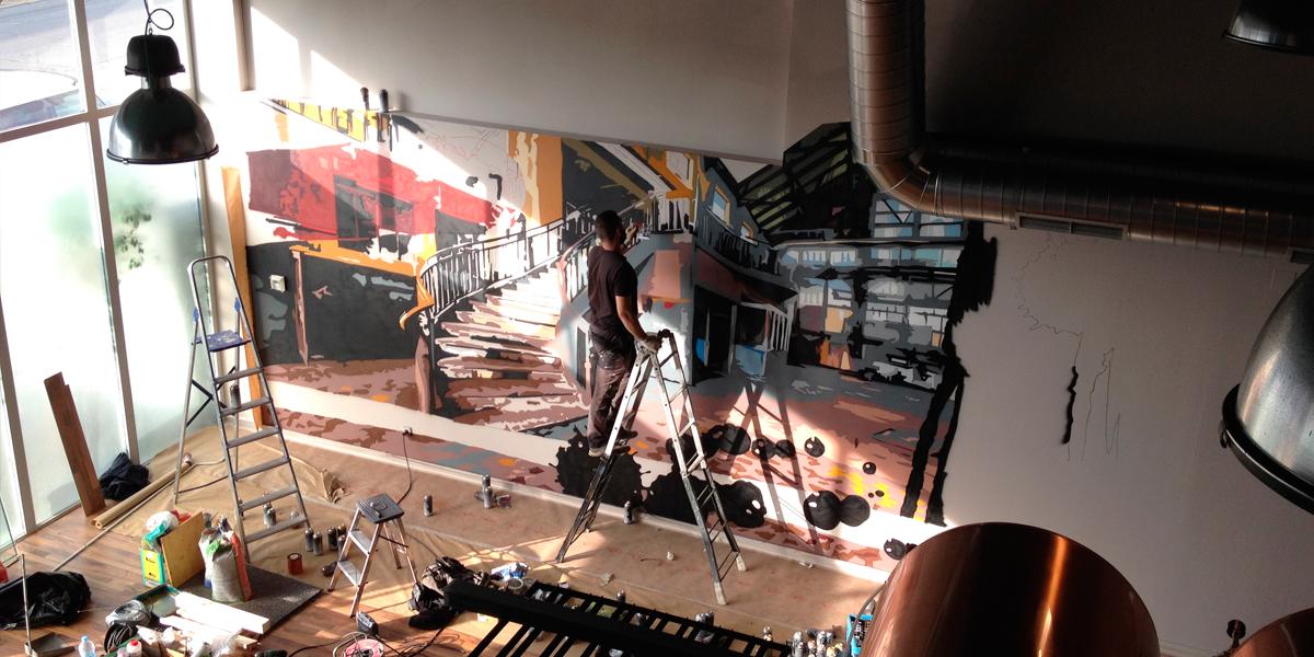 Realización de graffiti profesional en bar de Madrid