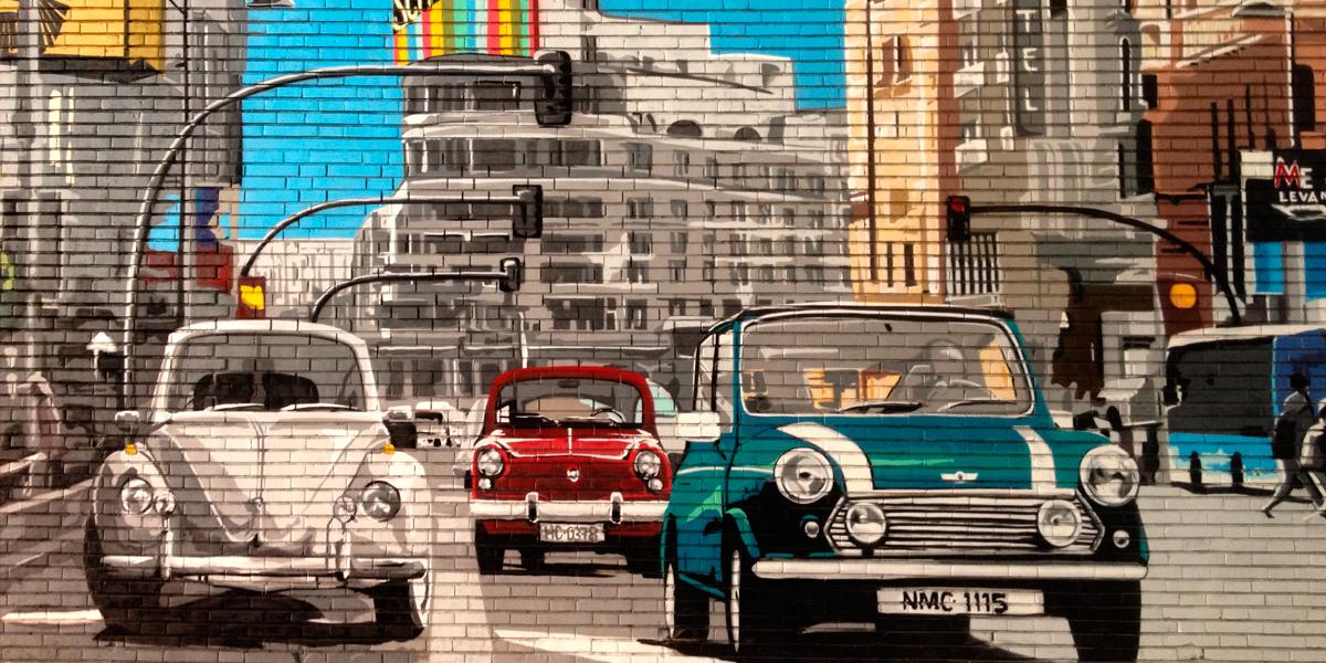 Grafitero profesional en Gran Vía