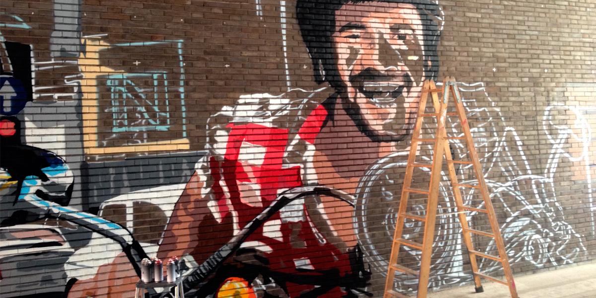 Graffiti gigante en proceso en Madrid