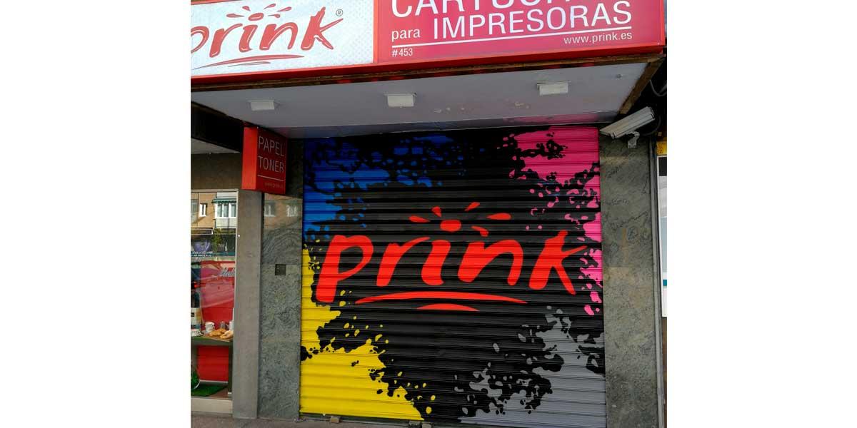 Graffiti profesional en cierre de Prink.