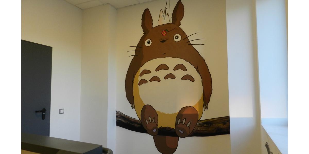 Graffiti de Mi vecino Totoro en oficina en Madrid