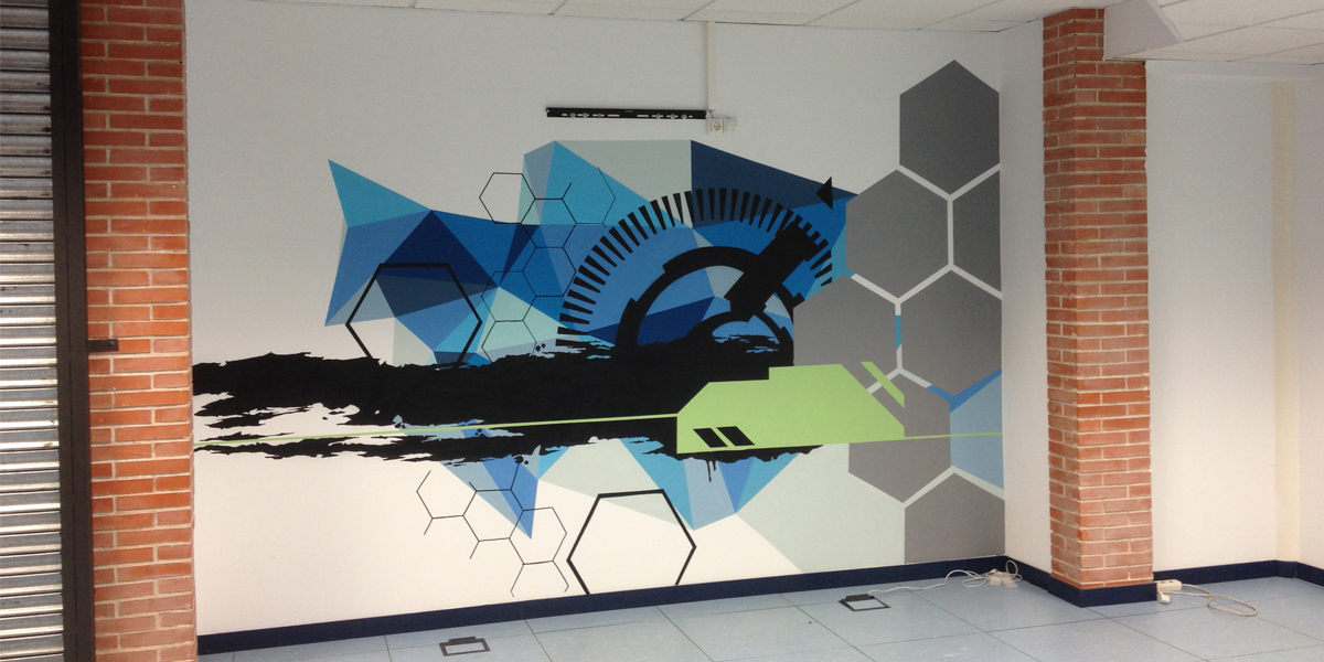Graffiti profesional en oficina de Madrid