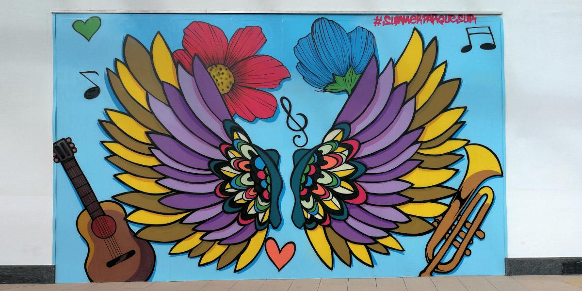Graffiti de alas pintado en directo en Leganés.