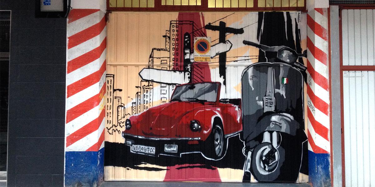 Mural decorativo en puerta de garaje en Valladolid