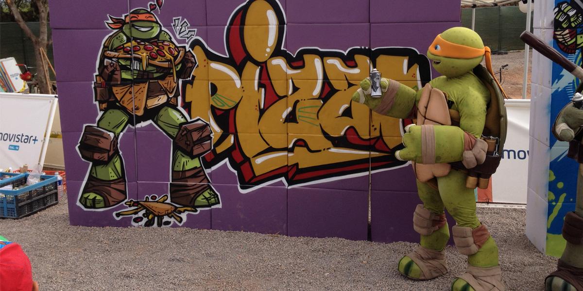 Evento de Nickelodeon con graffiti y tortuga ninja