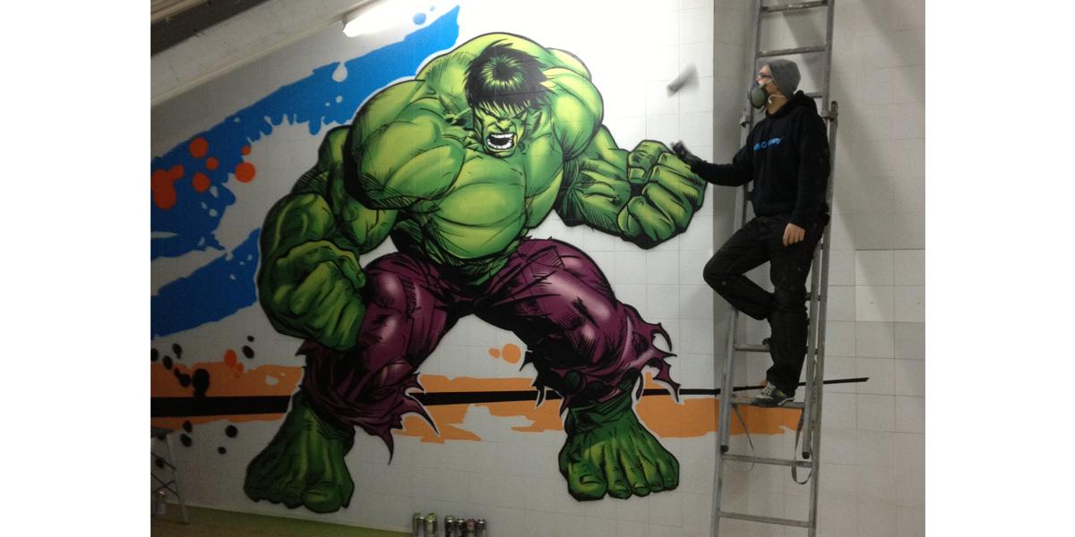 Graffiti de Hulk en gimnasio de Segovia