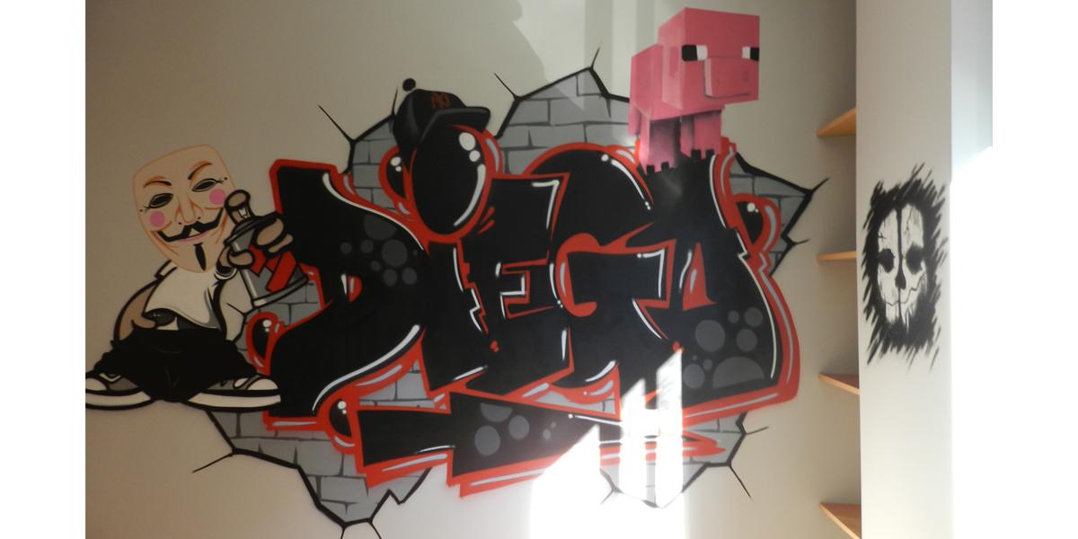 Graffiti de nombre, V de Vendetta y Minecraft en Madrid