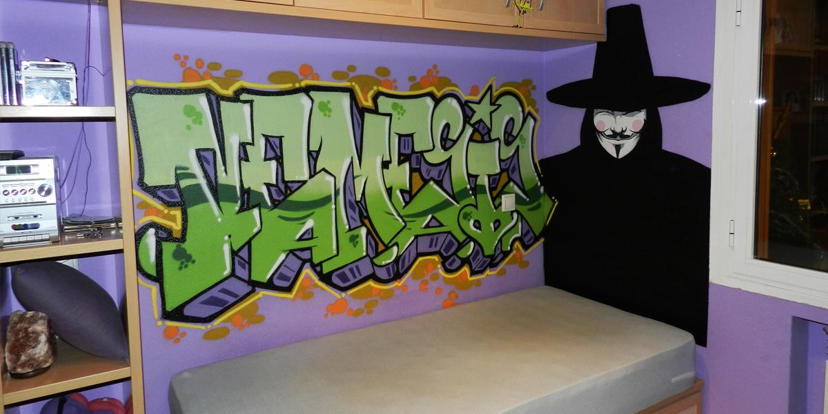 Graffiti profesional en habitación juvenil de Madrid