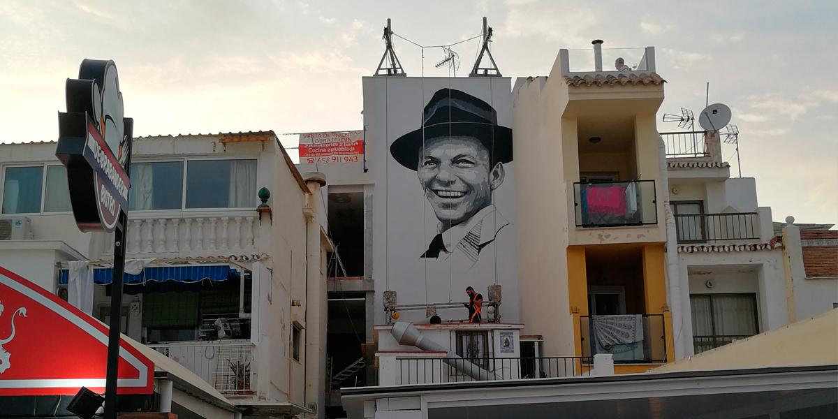 Realización del mural de Frank Sinatra en Torremolinos