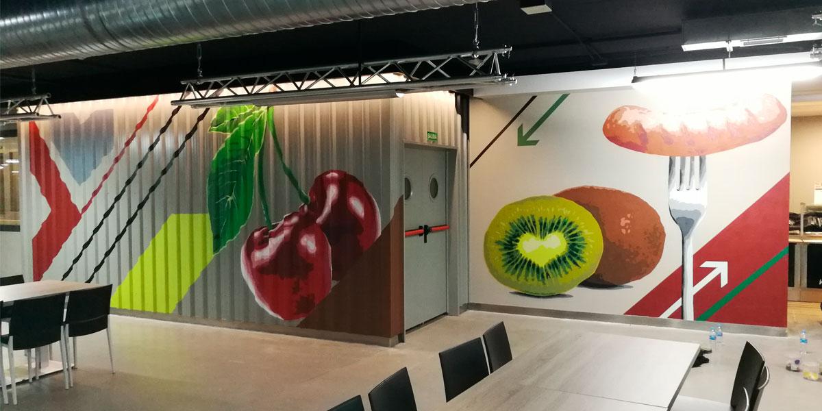 Mural con temática gastronómica en Madrid.