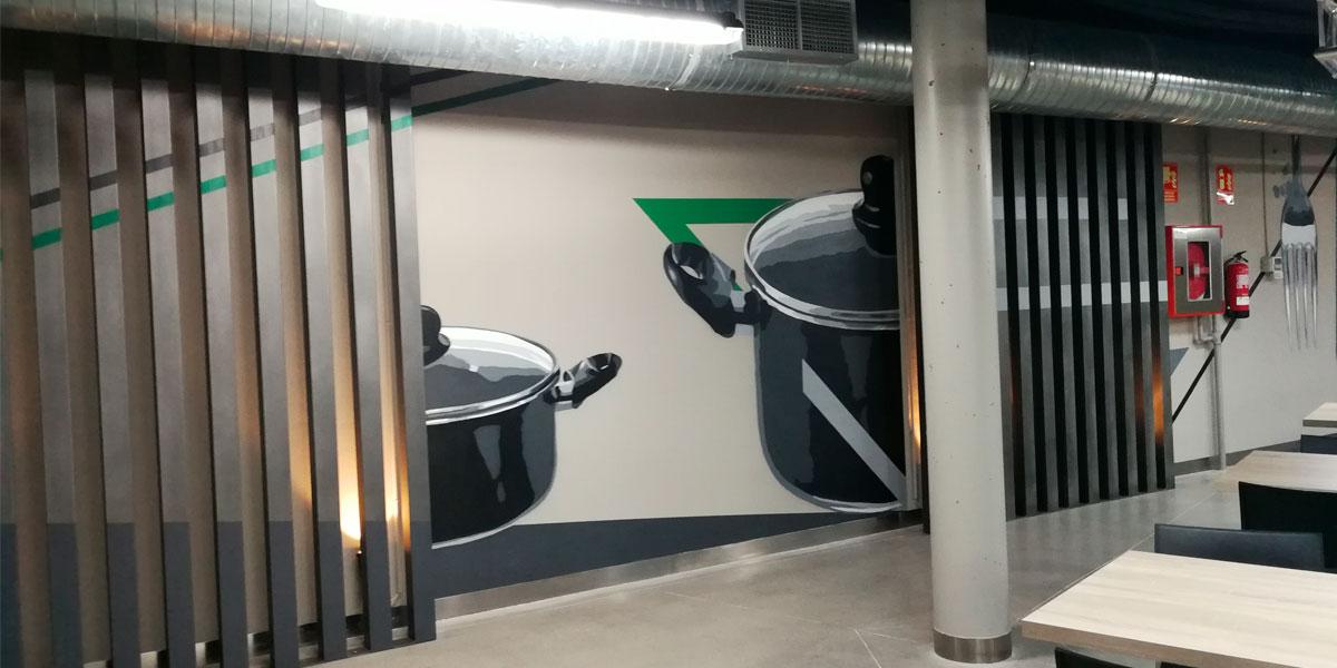 Graffiti en restaurante de oficinas de Madrid.
