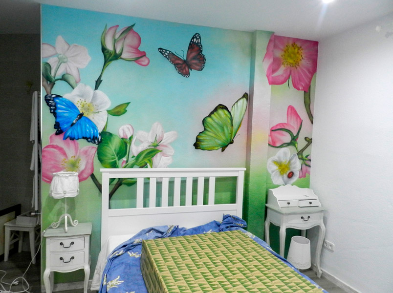 Mural decorativo en habitación.